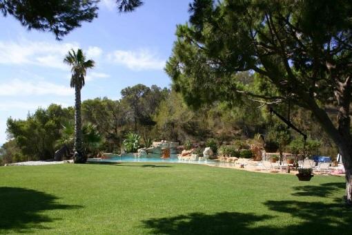 Sa-Caleta-Garten-Pool-Villa