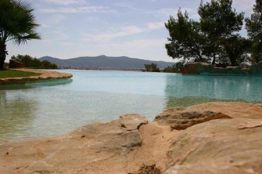 Villa-Pool-Sa-Caleta-Blick-auf-Landschaft