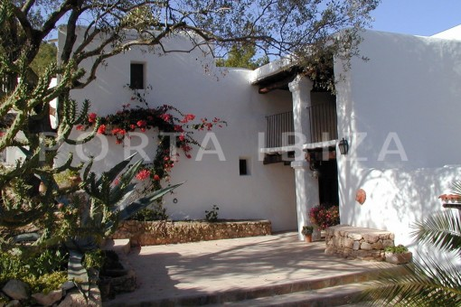 entrance-finca-San-Agustin