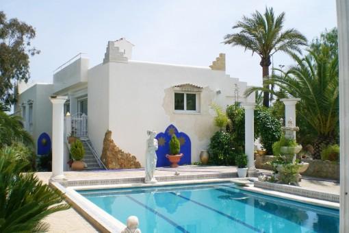 Einfamilienhaus mit prächitgem Garten