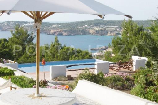 Grosszügige Villa mit schönem Meerblick