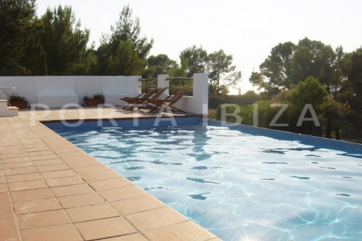 pool-cala moli-spacious villa-sea views