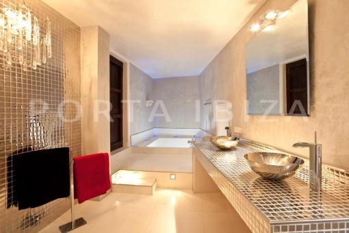 luxury-bathroom-Ibiza-villa