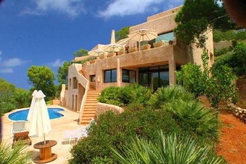 Mediterranes Anwesen im Norden der Insel