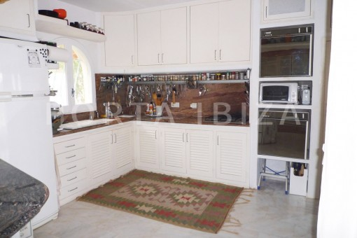 kitchen-Cala-Vadella-villa