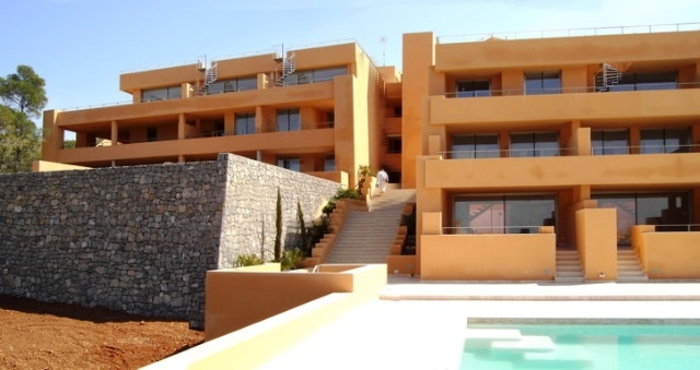 duplex-apartment-Cala-Carbo-front-view