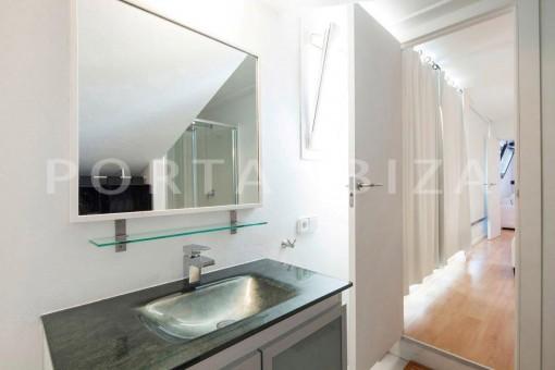 Cala-Moli-villa-bathroom