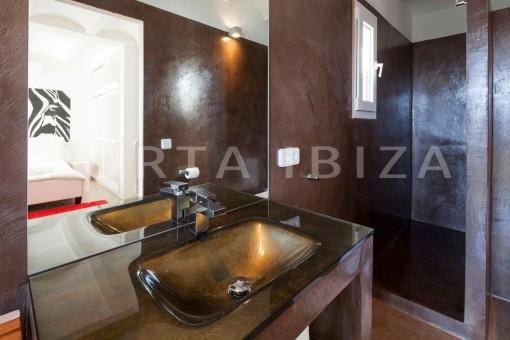 Cala-Moli-villa-bathroom2