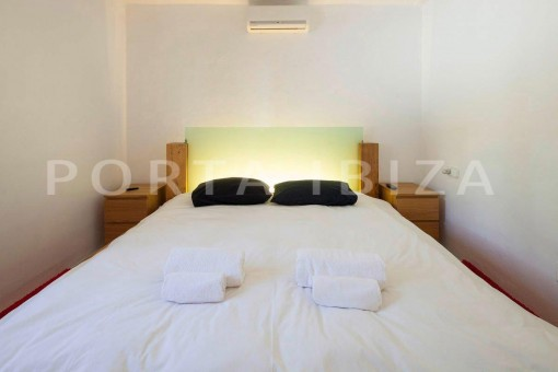 Cala-Moli-villa-bedroom3