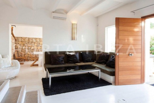 Cala-Moli-villa-living area