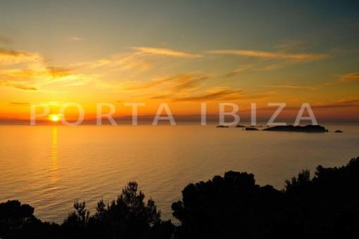 Cala-Moli-villa-marvelous sunset view