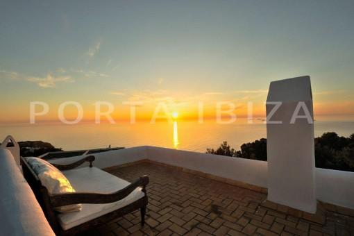 Cala-Moli-villa-sunset terrace