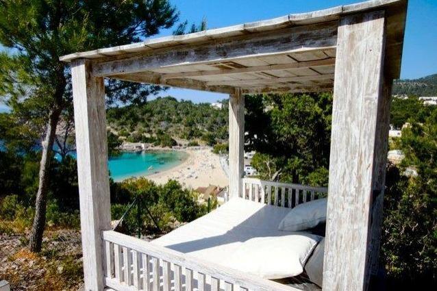 view-to-the-beach-villa-Cala-Vadella