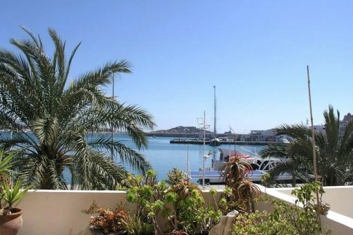 Elegantes Apartment mit perfekter Lage in Ibiza bei Club Nautico