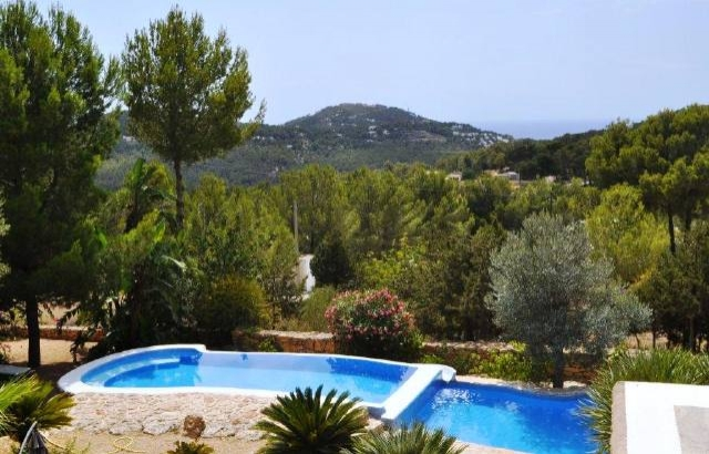 Cala-Vadella-view-to-the-landscape-villa