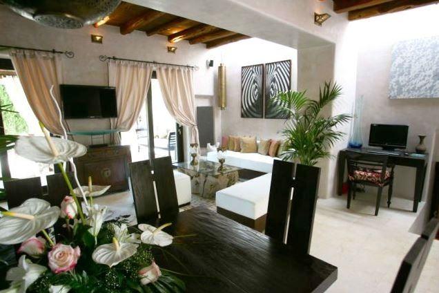 Wohnzimmer-mit-Essbereich-San-Villa-Miguel