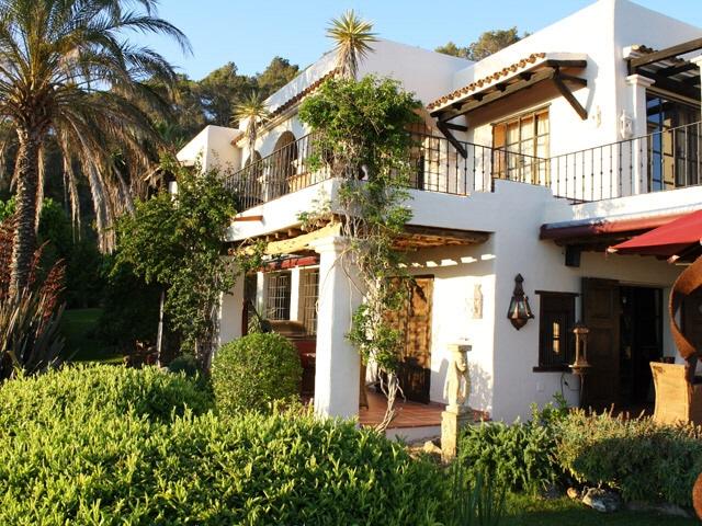 Ibiza-San-Carlos-villa