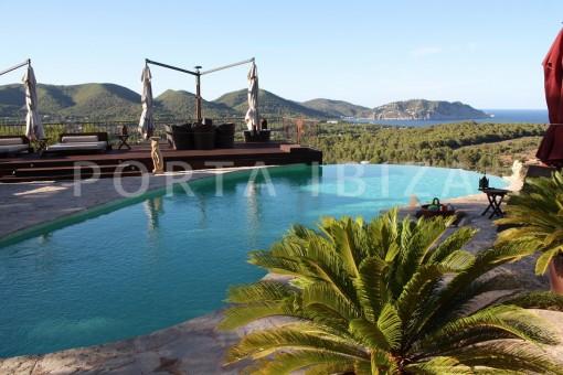 view-to-sea-and-landscape-San-Carlos-villa