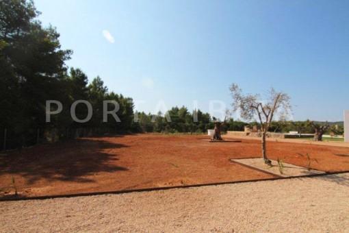 Campo-San-Juan-Garten-Pool-Villa