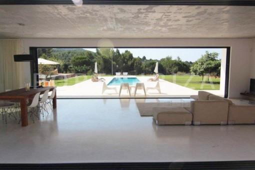Living-San-Juan-Garten-Pool-Villa