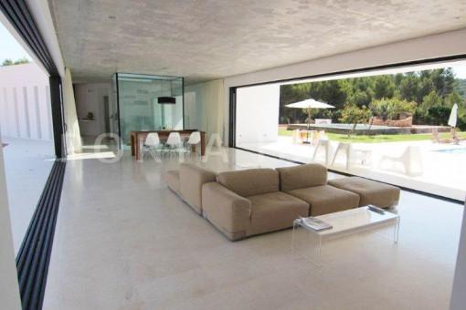 Livingroom-San-Juan-Garten-Pool-Villa