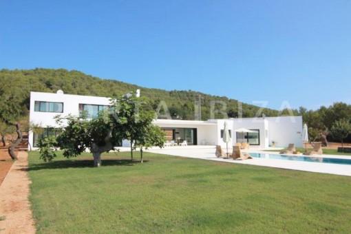 San-Juan-Garten-Pool-Villa