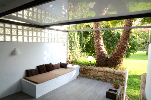 flat-beautiful-chillout-Roca-Llisa