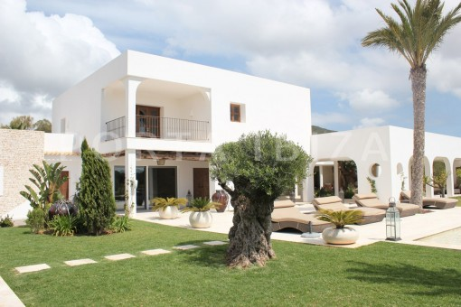 Neu gebaute Luxus Villa im Morna Tal ideal auch fuer Pferdeliebhaber