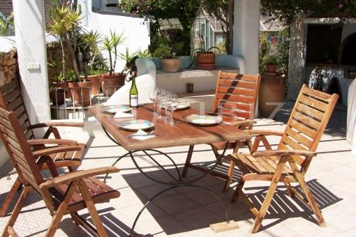 BBQ dinner-nice house-Ibiza