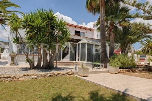 nice house & garden-Ibiza