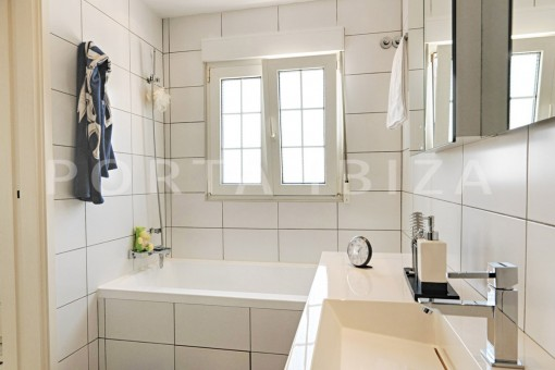 nice house-bathroom-Ibiza