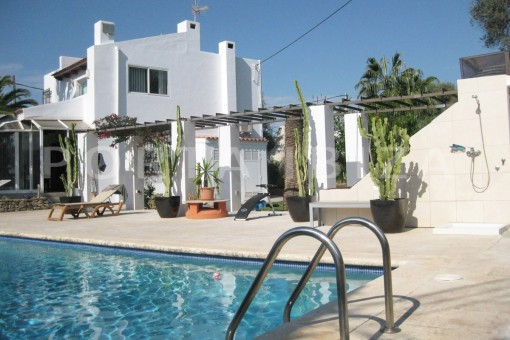 nice house-pool area-Ibiza