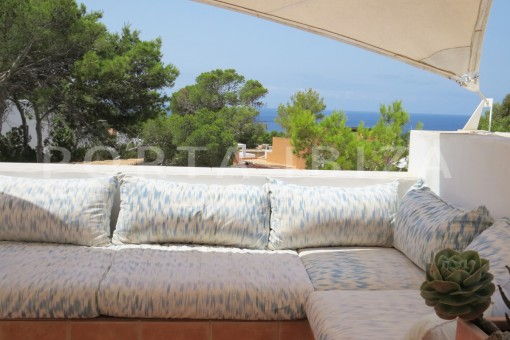 chill & sea view-fabulous semi detached house with stunning sea views