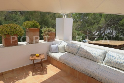 chill terrace-fabulous semi detached house with stunning sea views
