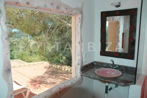 bathroom-villa-Santa Gertrudis