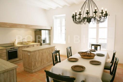 dinner & kitchen-Inmobiliaria-Ibiza-size1_3samcuisine