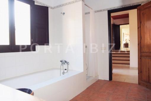 bath-fantastic villa-es vedra-ibiza