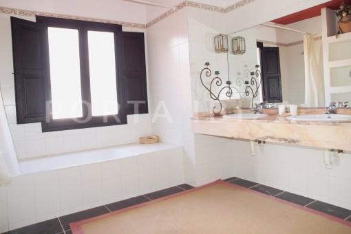 bathroom-fantastic villa-es vedra-ibiza