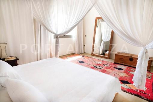 bedroom-wonderful villa-seaview-roca llisa