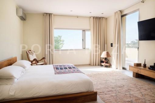 bedroom2-wonderful villa-seaview-roca llisa