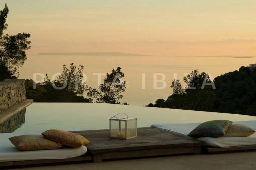 pool & sunset-wonderful villa-seaview-roca llisa