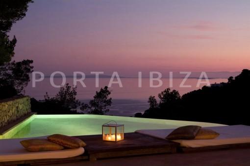 pool & night-wonderful villa-seaview-roca llisa