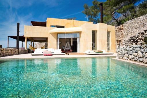 pool & relax-wonderful villa-seaview-roca llisa