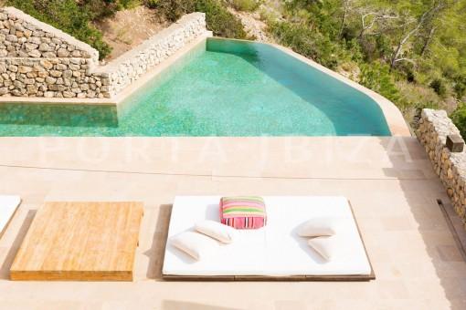 pool & terraces-wonderful villa-seaview-roca llisa