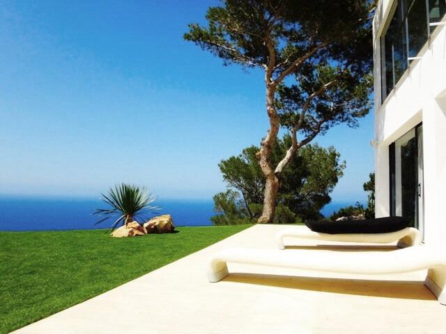 ibiza-na xamena-pool-fantastic seaviews-garden