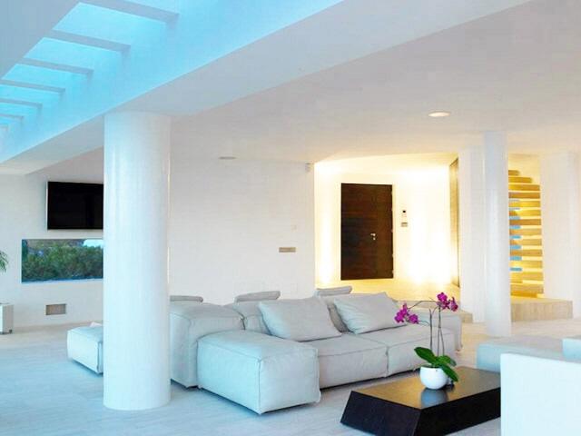 ibiza-na xamena-pool-fantastic seaviews-livingroom