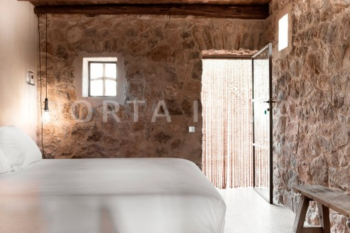 bedroom1-magnificent finca-santa eularia