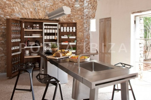 kitchen-magnificent finca-santa eularia