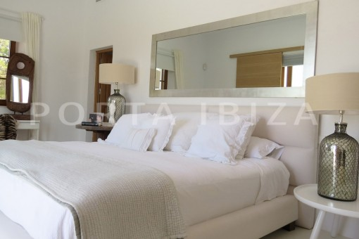 masterbedroom-luxury property-fantastic sea views-sunset views-cala tarida