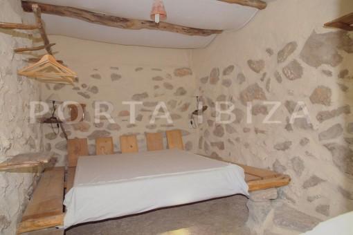 ibiza-san vincente-original finca-bedroom3